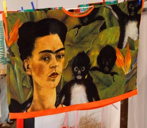 frida painted huipil