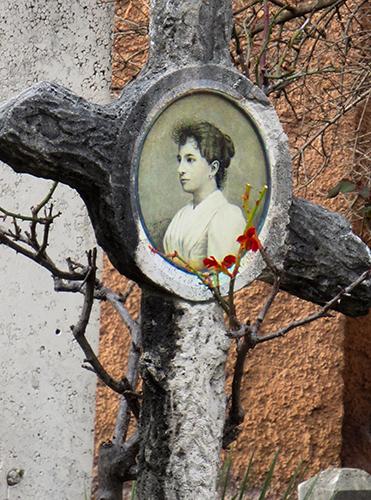 Verano Graveyard Foto